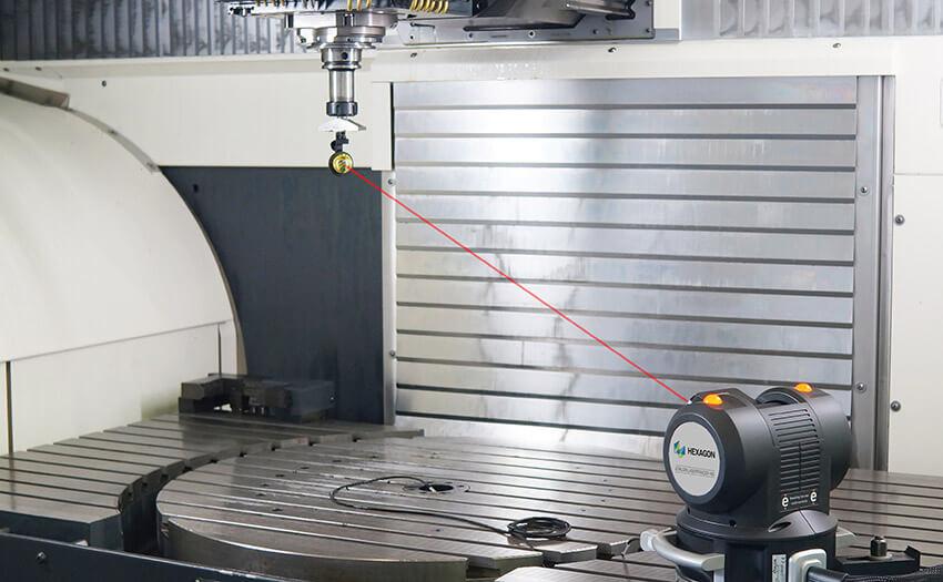 Etalon LaserTRACER-NG проверяет геометрическую точность станка