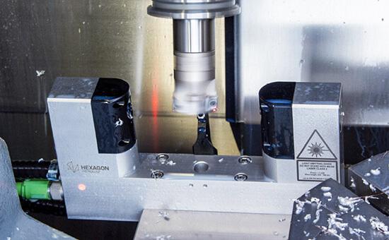 Лазерный датчик измерения детали на станке Hexagon LTS35.65