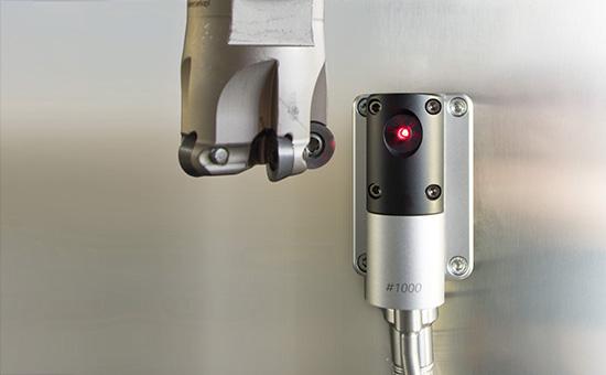 Лазерный датчик наладки инструмента на станке Hexagon LTS35.66
