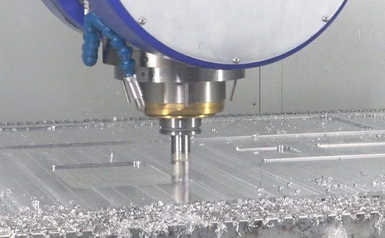 Прочный корпус и полная гидроизоляция RWP20.50-G-UTP обеспечивают бесперебойные измерения на производстве.